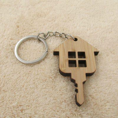 WnG Fa Kulcstartó - house key